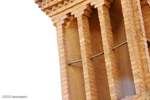 Emir Çakmak; tarihi kent Yezd'in sembolü