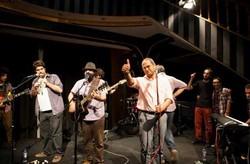 آرزوی یک گروه موسیقی برای اجرای کنسرت در سیرک