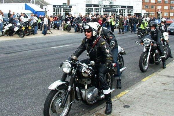 موتورسواران گردشگر