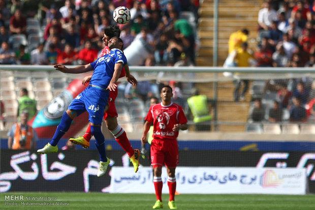 دیدار تیم های فوتبال پرسپولیس و استقلال