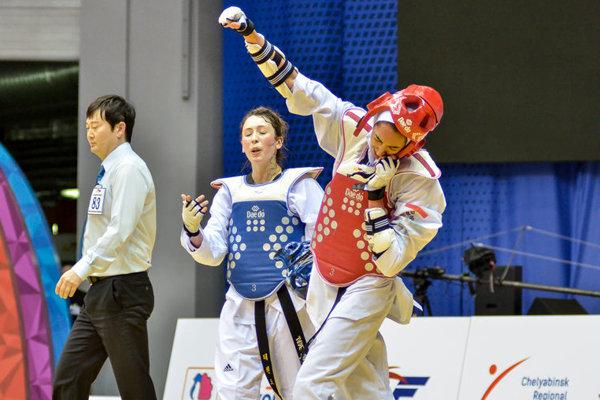 الايرانية كيميا عليزاده تنال الميدالية الذهبية في بطولة الجائزة الكبرى بالتايكواندو