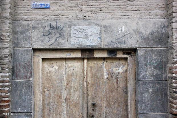 کشف و ضبط در چوبی تاریخی مسجدسید محمدیه نایین