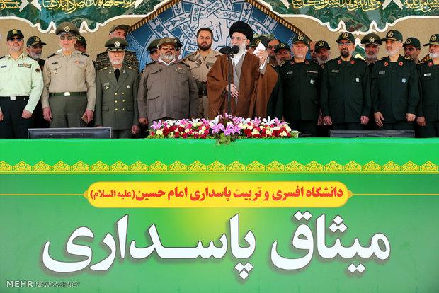 مراسم دانشآموختگی دانشجویان دانشگاه امام حسین (ع) با حضور رهبر انقلاب