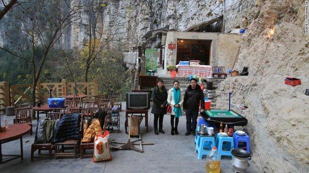 150517111047-china-possessions-ma-hongjie-38-exlarge-169.jpg