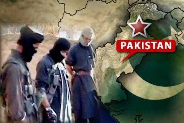 عشرات القتلى والجرحى في هجوم على جامعة في باكستان