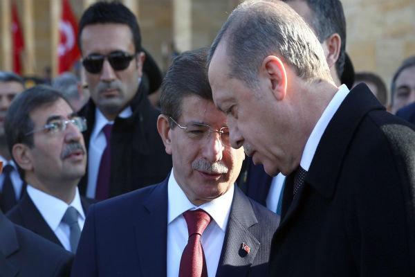 منتظر دریافت حکم اردوغان برای تشکیل دولت ائتلافی هستم
