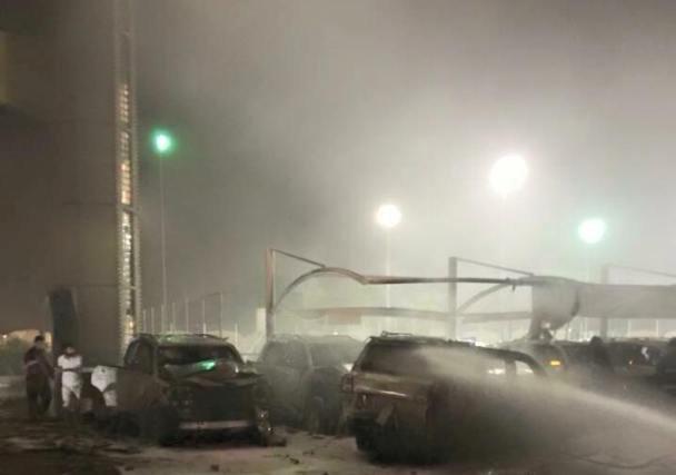 انفجار سيارتين مفخختين بفندقي بابل والشيراتون في حي الكرادة ببغداد