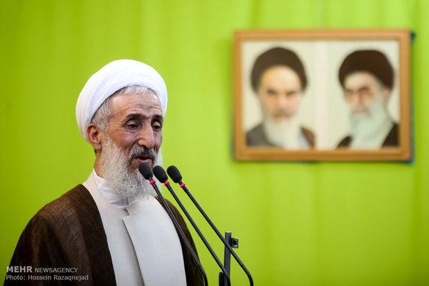 آية الله صديقي يؤكد على دعم الفريق المفاوض والغاء العقوبات