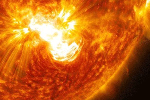 طوفان های خورشیدی