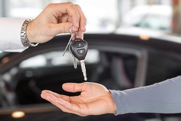 انتظار اعلام قیمت جدید بازار خودرو را راکد کرد