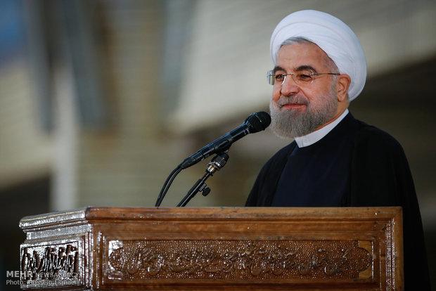 روحاني : الشعب الايراني سيواصل دعم شعوب المنطقة امام الارهاب