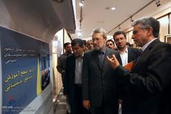 بازدید رئیس مجلس از نمایشگاه دستاوردهای شرکت تاسیسات دریایی