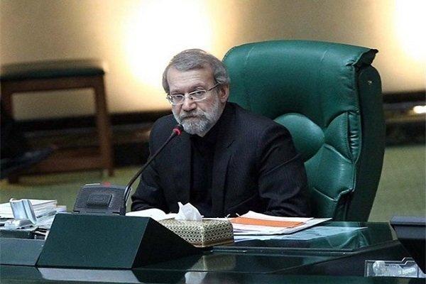 لاريجاني : قائد الثورة الاسلامية قد رسم الصراط المستقيم للثورة