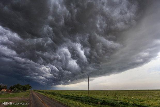 گردباد و رعد و برق در آمریکا