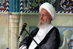 آية الله مكارم شيرازي : الاتفاق النووي كان نتيجة عظمة واقتدار ايران