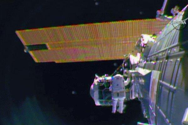مهتمون بارسال رواد فضاء الى مدار الأرض