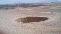 فلم/ زنجان کے علاقہ میں زمین بیٹھنے سے گڑھا ایجاد ہوگیا