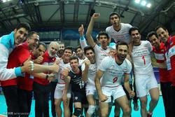 ایران اور روس کی والیبال ٹیموں کے درمیان مقابلہ