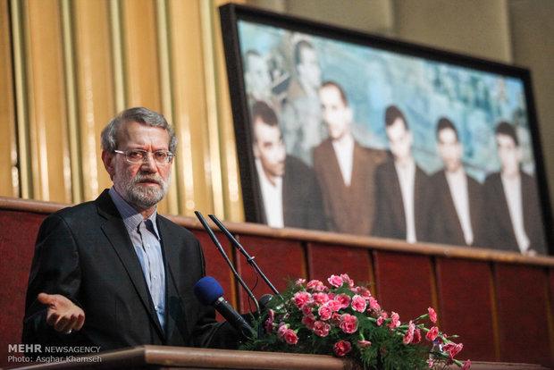 لاريجاني : الشعب الايراني لايريد الهيمنة على الآخرين