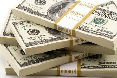 شکاف بین نرخ ارز اسمی و حقیقی تشدید شد