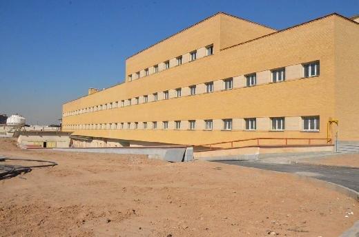بیمارستانی که در ایستگاه وعدهها گیر کرد/مردم پاکدشت چشمانتظارند