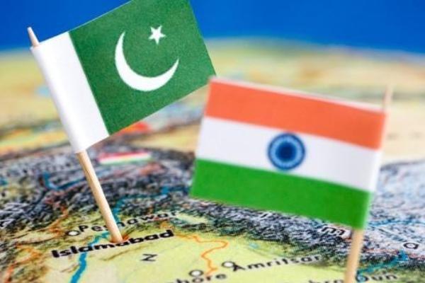 ہندوستان میں پاکستانی ہائي کمشنر کی کشمیری رہنماؤں کو دعوت