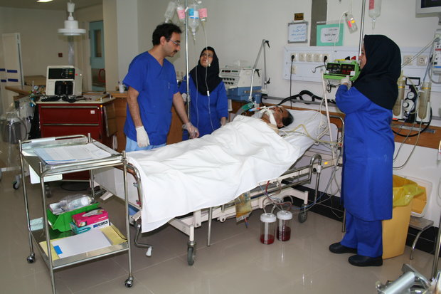 بساط کمک پرستاری برچیده شود/چالش وزارت بهداشت با پرستاران