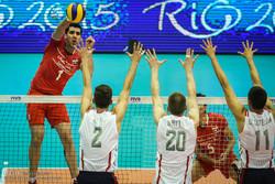 فوز المنتخب الوطني الايراني للكرة الطائرة على نظيره الأمريكي