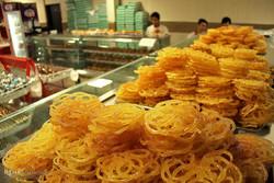 İran'ın geleneksel Ramazan tatlısı Zülbiye ve Bamya