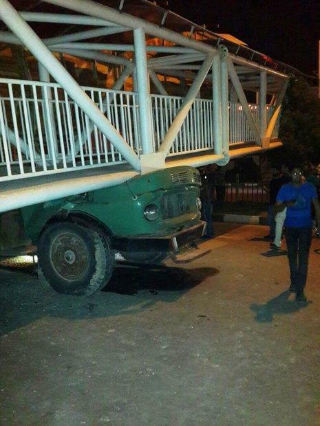 سقوط پل عابر پیاده اهواز