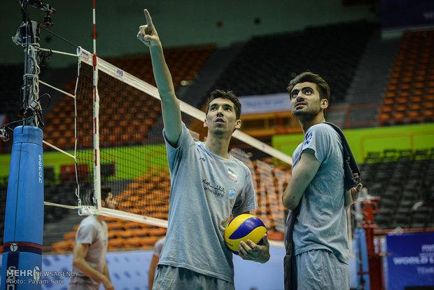 تمارين المنتخبين الايراني والبولندي للكرة الطائرة