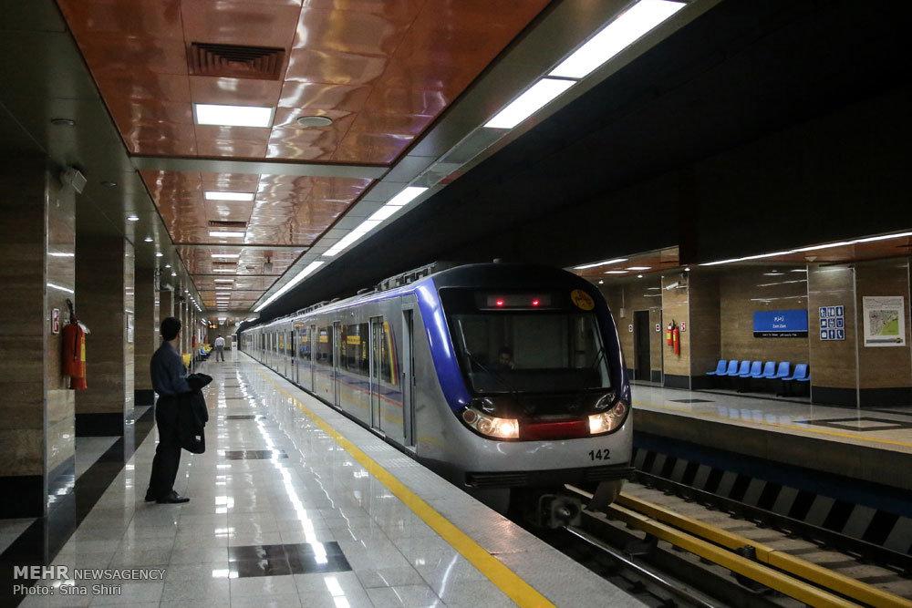 زمان حرکت قطار ایستگاه کارون اهواز حصارکشی اطراف میادین شهر اهواز به پروژه قطار شهری مربوط ...