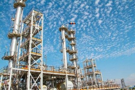 Iran to tap 8 new petrochemical projects
