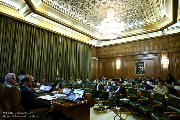 یک فوریت تهیه و تدوین سیاست های برنامه ۵ ساله سوم شهرداری تهران