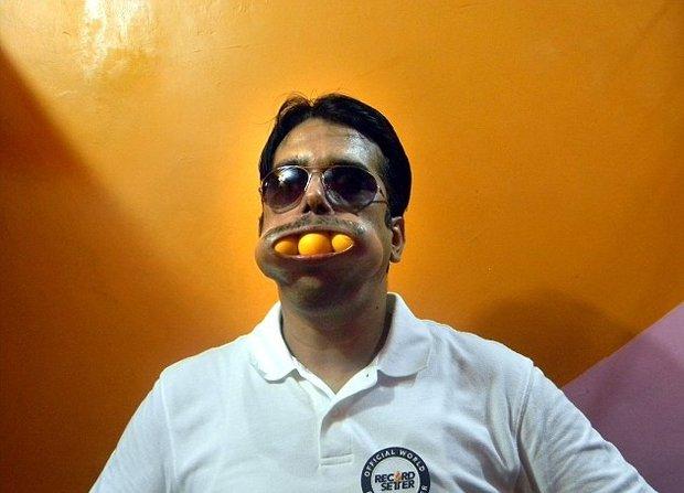 مردی با گشادترین دهان جهان + تصاویر