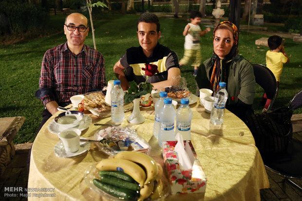 مراسم افطار موظفي وكالة مهر للانباء وصحيفة طهران تايمز