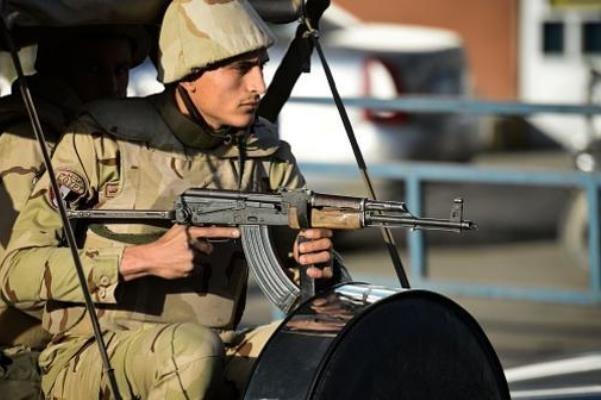 وزارت کشور مصر: ۹ تروریست در شرق و جنوب قاهره کشته شدند