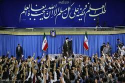 اعضای کنگره ۳۵۳۵ شهید زنجان با رهبر انقلاب دیدار میکنند