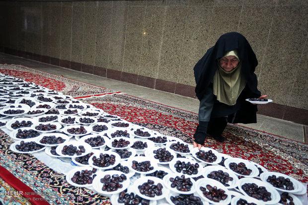 ضیافت افطار در حرم مطهر شاهچراغ (ع)