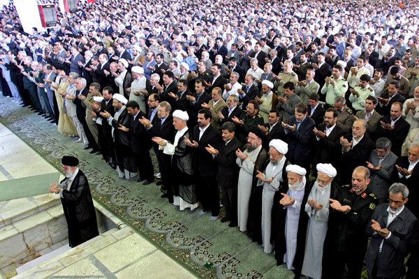 الاستعدادات لإقامة صلاة عيد الفطر السعيد في مصلى طهران