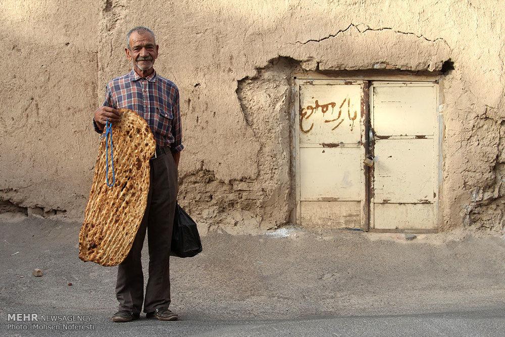 پخش غذای نذری در مناطق محروم+تصاویر