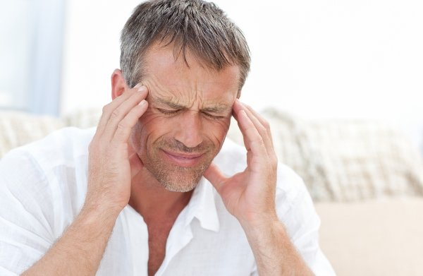 بروز علائم عصبی کووید ۱۹/ماندگاری سردردهای شدید