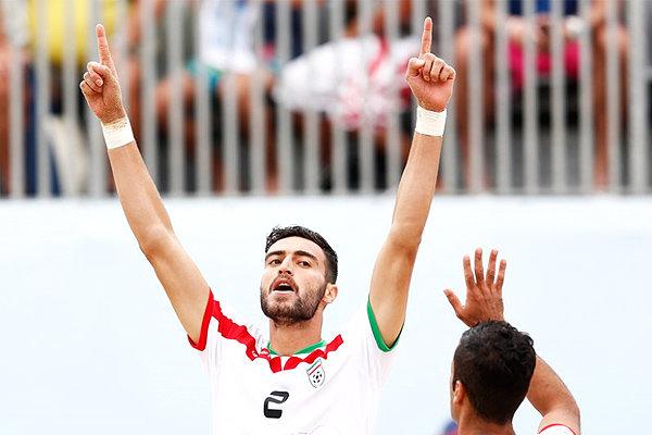 1766812 - امیر حسین اکبری ملی پوش ساحلی اهل شهرستان  فلاورجان برای تیم ایران گل زد