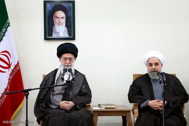 Leader hails Iranian negotiating team