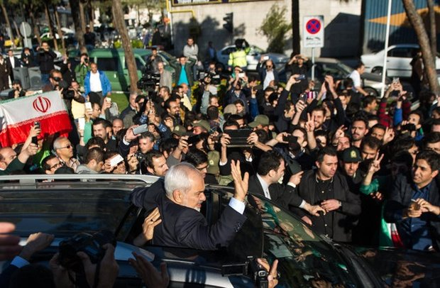 استقبال از ظریف