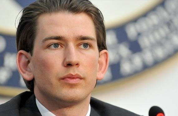 به همراه رئیس جمهوری اتریش به ایران سفر می کنم