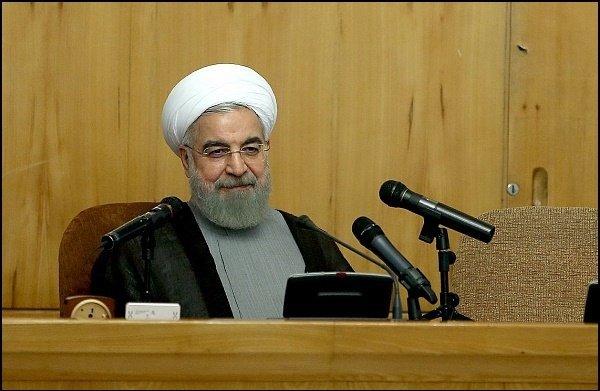 روحاني :فريقنا النووي عاد بالإتفاق هدية للشعب الإيراني