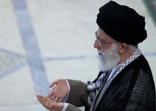 صلاة عيد الفطر تقام بإمامة قائد الثورة الاسلامية