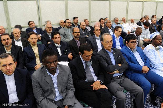 Leader's Eid al-Fitr meeting with officials, ambassadors