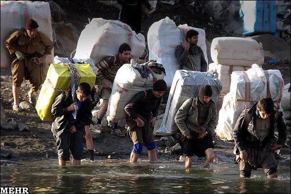 سونامی قاچاق کالا در کرمان/بیکاریمردم را«چترباز» می کند